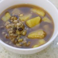 綠豆薏仁地瓜湯 Green Bean Barley Sweet Potato Soup